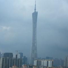 広州、エレベーター展の現場に入ってます。